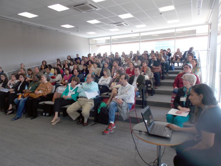 Viagem Literária realiza encontro e reúne mais de uma centena de profissionais