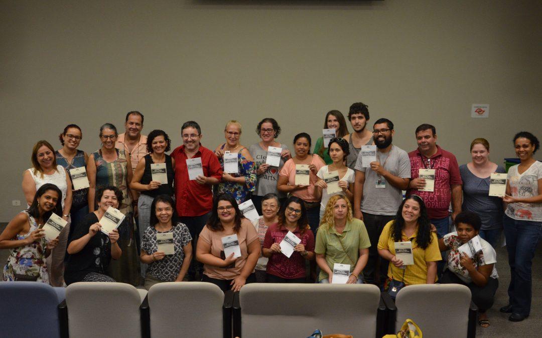 Um Fab Lab que ensina a fazer livros artesanais