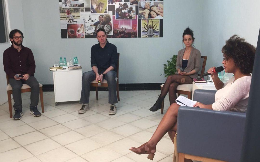 Escritores premiados falam sobre a dessacralização dos livros em encontro online