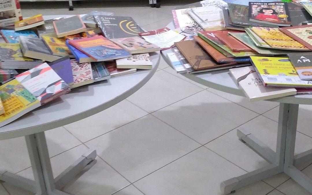 Biblioteca de Tuiuti recebe 100 novos livros